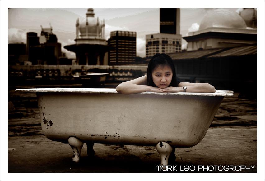 Mun Tzin in a tub