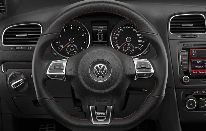 Volkswagen Golf GTI Mk6 steering wheel